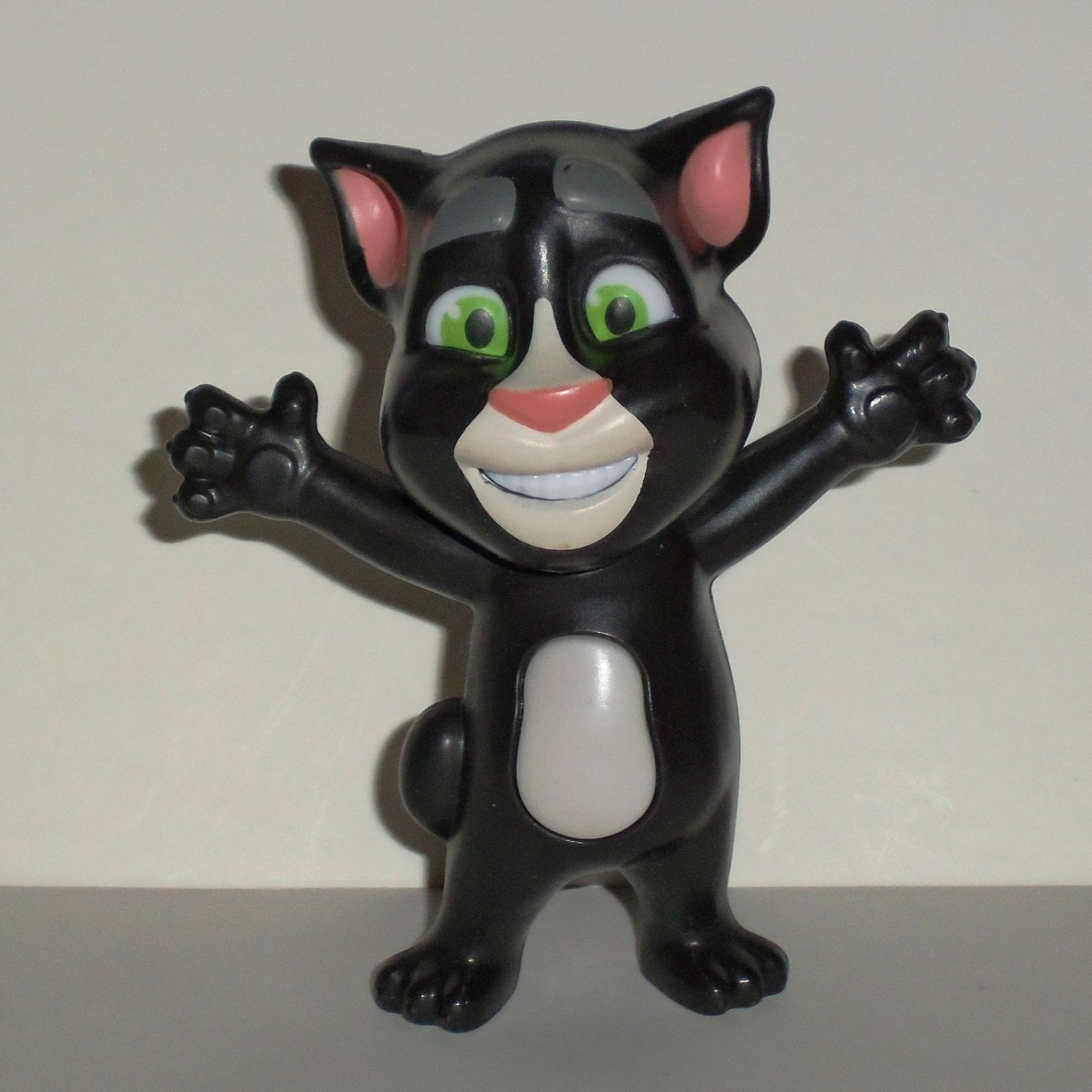 McDonald's 2016 Talking Tom Superstar Black Happy Meal Toy Loose Used