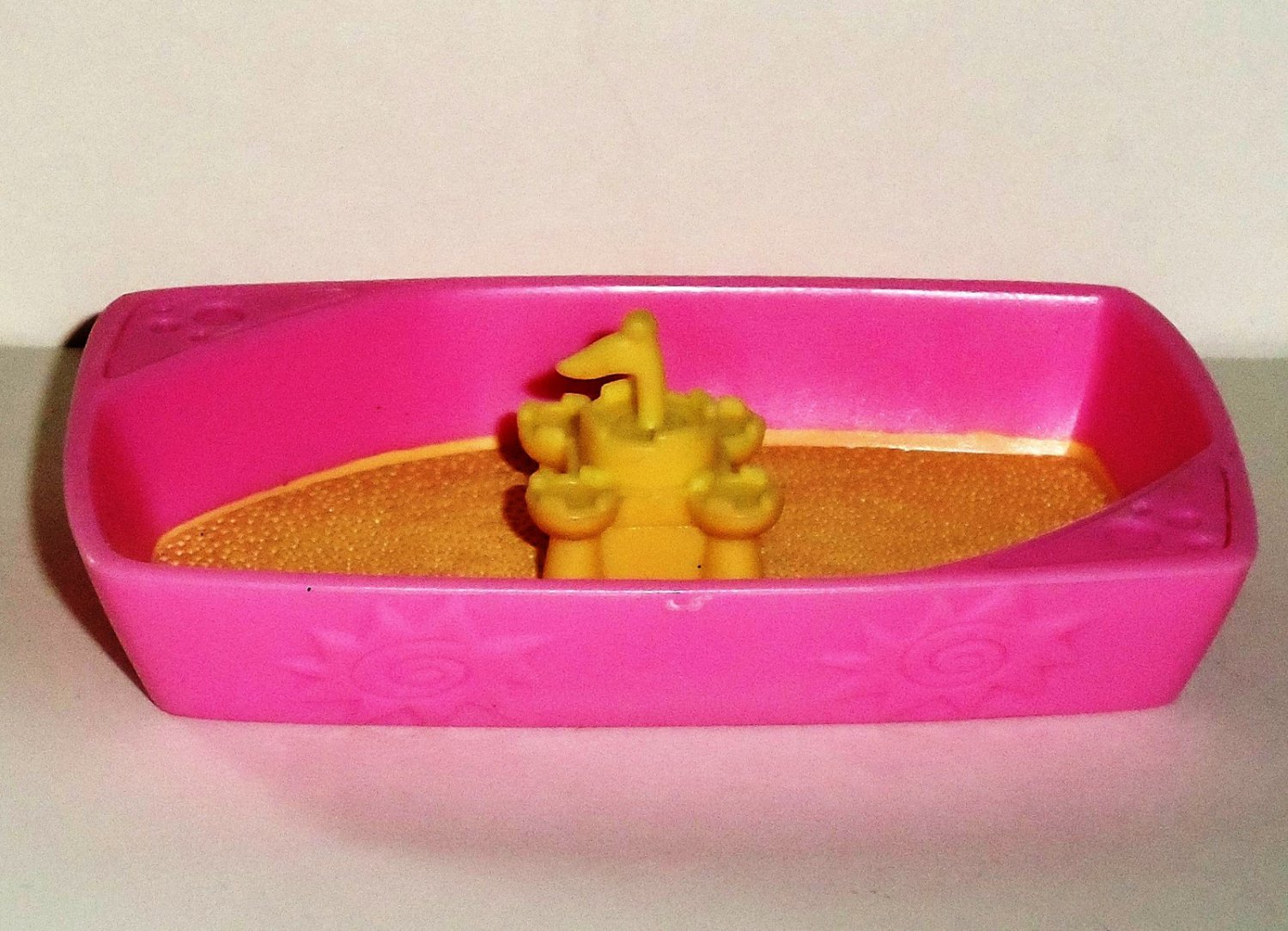 Littlest Pet Shop Pink and Yellow Cat Litter Box Sandbox Accessory Hasbro 2006 Loose Used