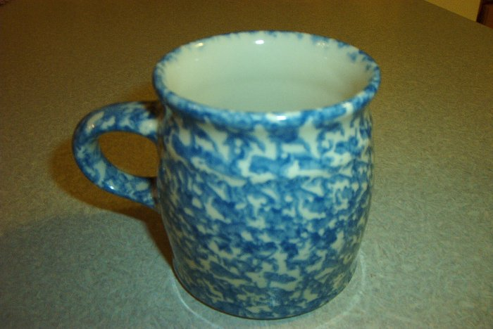 Henn Workshops blue sponged classic mugs set of 2