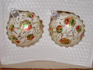 2 Hand Decorated Glass Ornaments Gold, Green, Red Ornaments painted  Price: 2.95