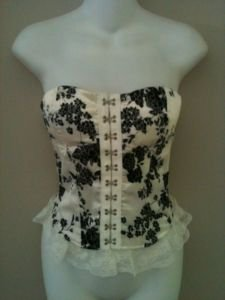 L- Floral Lace Up Corset in White
