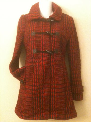 L- Toggle Front Tweed Coat in Red