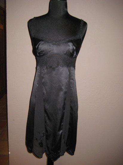 La perla black silk  Chemise sz Small