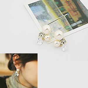 Korean Jewelry [67222] Lovely Ivory Pearls + Crystals Earrings  (value @ $10.5)