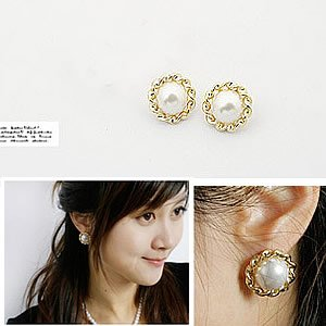 Korean Jewelry [67210] Lovely Lady Ivory Gold + Pearl Earrings  (value @ $11.5)