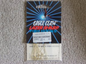 Lot of 252 Style L202ELV Eagle Claw Hooks NEW in packages - size 3/0 - Gold