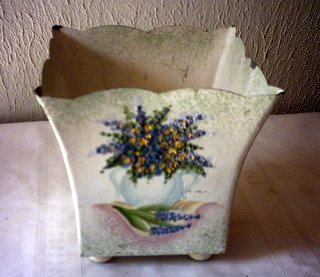 TIN PLANTER / VASE / FLOWER POT ROUNDED FEET -  PAINTED FLOWERS IN VASE PAINTED ON FRONT