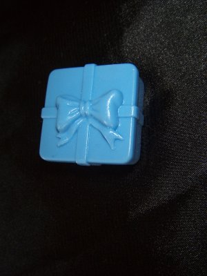 Blue Barbie Francie Tressy Blythe Gift wrapped present box accessory