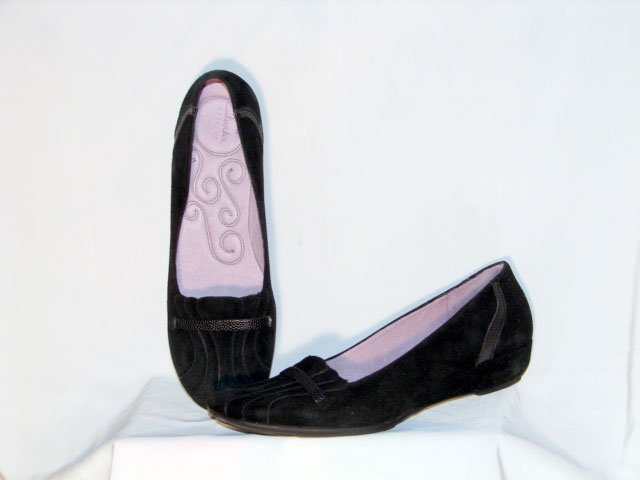 Clarks Artisan Black Suede Flat Shoes 9.5W NEW