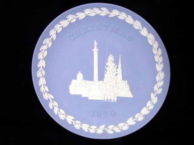 Wedgwood England Christmas 1970 Plate Trafalgar Square