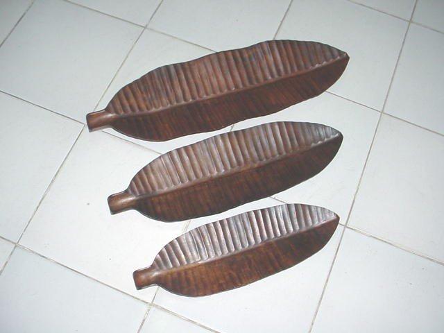 Banana Leaf Wood set of 3