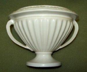 """Roseville Pottery Ivory 14-4"""""""