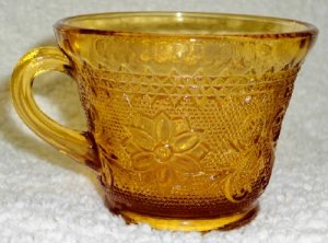 Tiara Amber Sandwich Cups  Set of 4