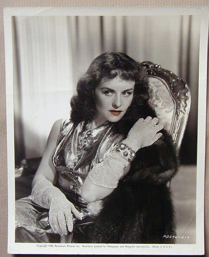 AC22 GHOST BREAKERS Paulette Goddard orig 8x10 still