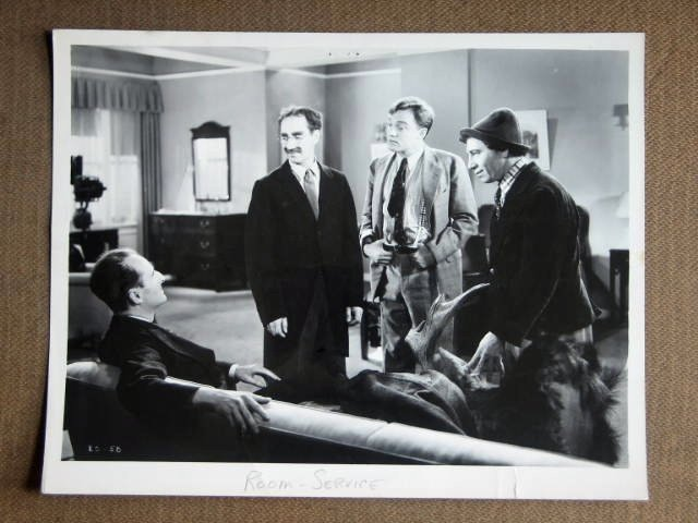 EE24 Room Service THE MARX BROTHERS Studio Still