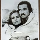 GG42 Gator BURT REYNOLDS/LAUREN HUTTON TV Press Still