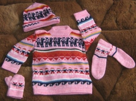 Pink complet baby set, made of Alpacawool