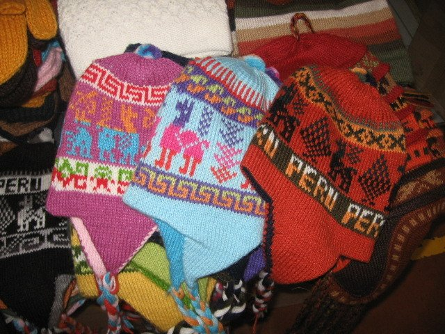 Peruvian chullo,Hat with ear flaps, reversible,made of Alpacawool