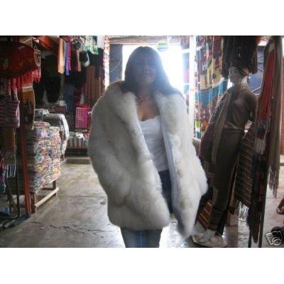 White Jacket of high quality Babyalpaca fur, coat