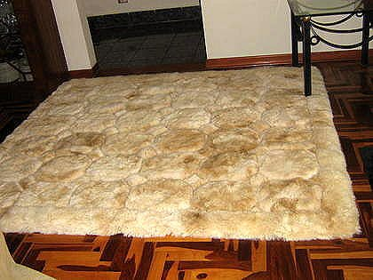 Alpaca fur carpet from Peru with a cube design, 80 x 60 cm