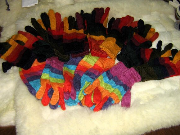 Lot of 50 pair Alpacawool gloves, mittens,wholesale