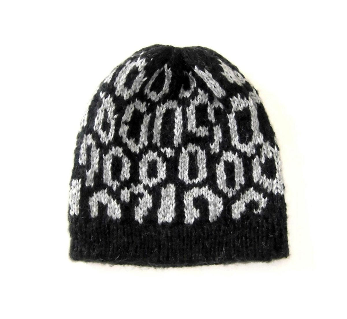 Unisex Beanie, hat made of 100% Peruvian Alpacawool. Black and white Designs. One size