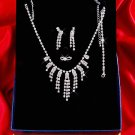 Necklace with matching earings X 047