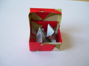 Origami Objects - Sea Anemone inside Mini Flowered Box