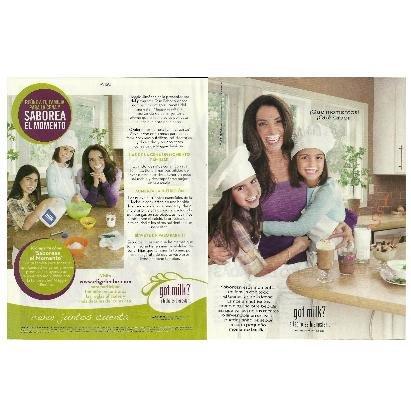 MAGGIE JIMINEZ CON SUS HIJAS NICOLE Y PAOLA got milk? Magazine Ad © 2010 SPANISH TEXT 2pp