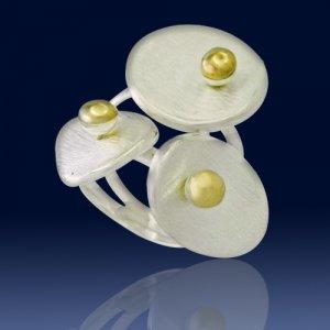 Petals ring
