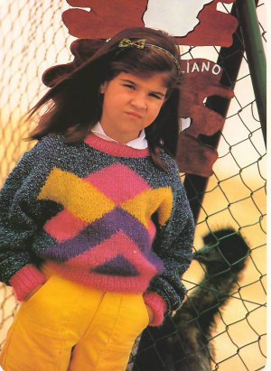Knit Pattern Girl Pullover No 4 Size 7 in 2 Languages Printable on PDF 80s