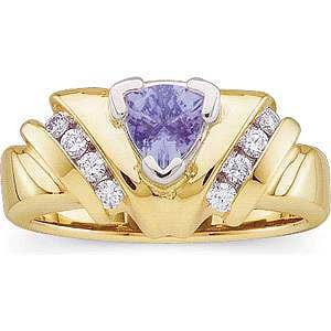 Magnificent 14 K Gold designer Tanzanite and Diamond Ring
