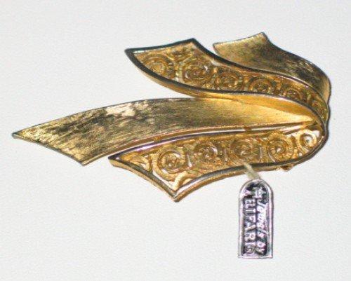 Trifari Gold Tone Solid and Filigree Ribbon Brooch BRO2071