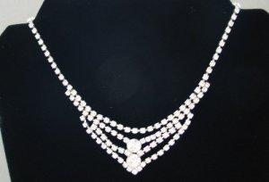 Fabulous Clear Rhinestone Vintage Necklace NEC2027