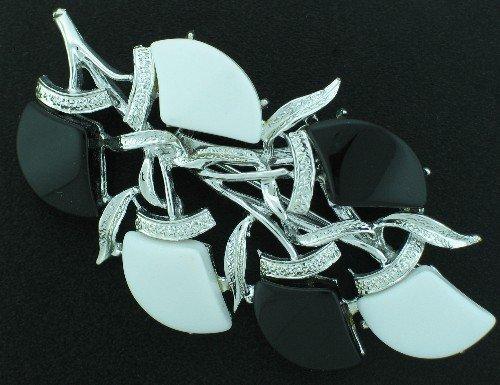 Vintage Black & White Thermo Plastic Brooch Bro2020