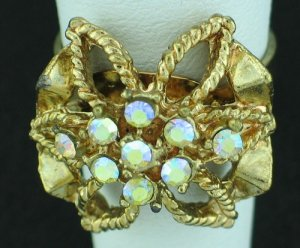 Retro 1960s Rhinestone Bow Design Ring Rin2005