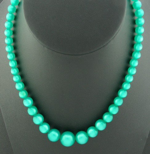 Vibrant Moonglow Green Lucite Necklace Nec2030