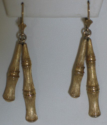 Signed Avon Bamboo Style Gold Tone Necklace with French Hooks Ear2092