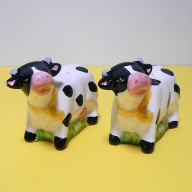 B/W Cow Salt & Pepper Shaker