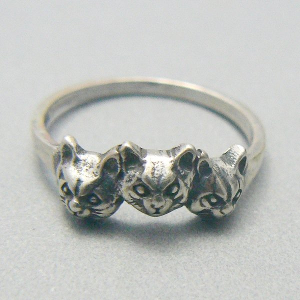 Three Kitty Cat Faces Sterling Silver Ring - (Size 9)