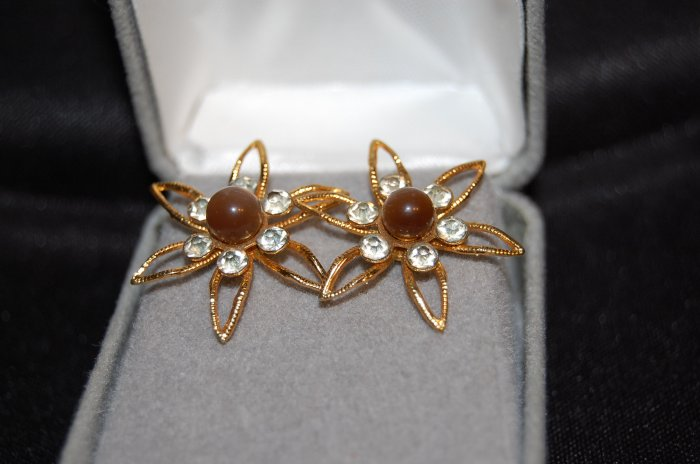 vintage 10 kt sunflower earrings with gold screwback studs
