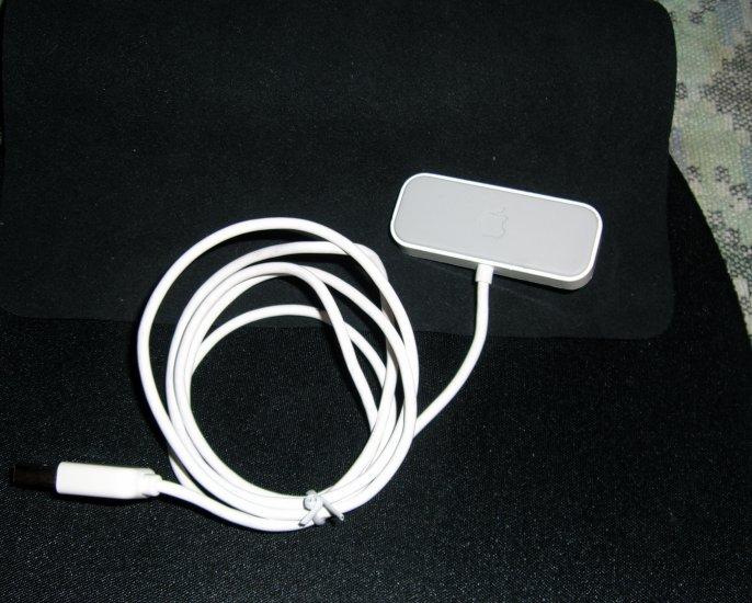Genuine Apple iPod USB Sync Shuffle Dock Cable