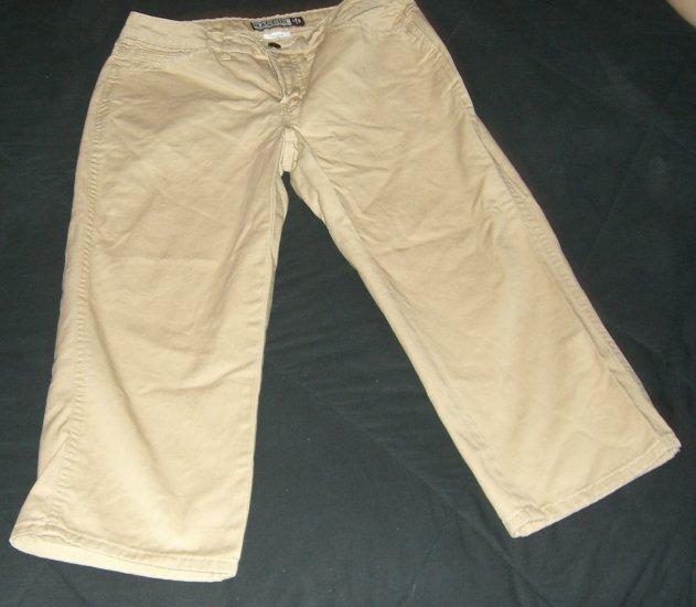 Women's MacCoy  Collection Tan Capri Pants