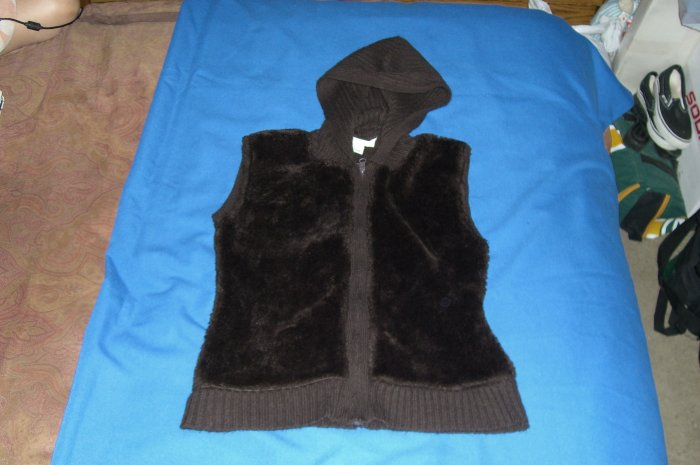 Suspicious Lines Brown Hooded Sweater Vest