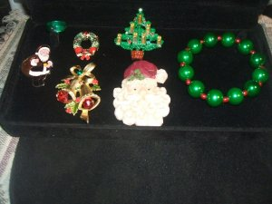 Christmas designer Jewelry Lot