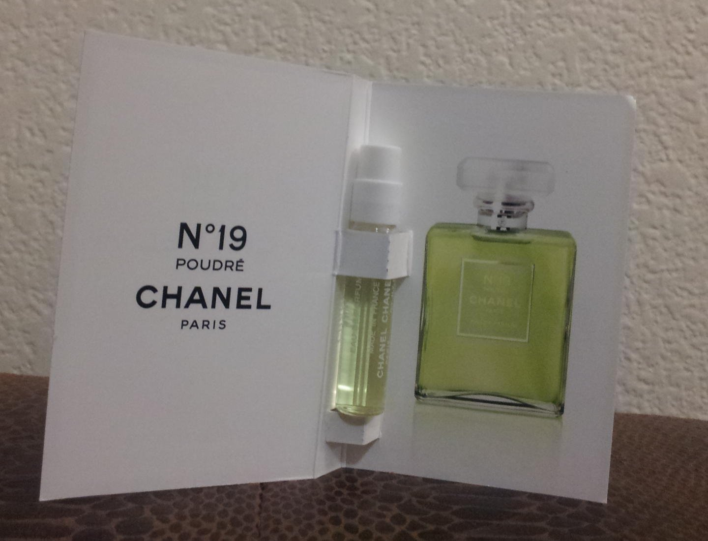 Chanel no 19 poudre samples and decants, perfume decant – ps&d.
