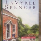 Small Town Girl, LaVyrle Spencer, VG