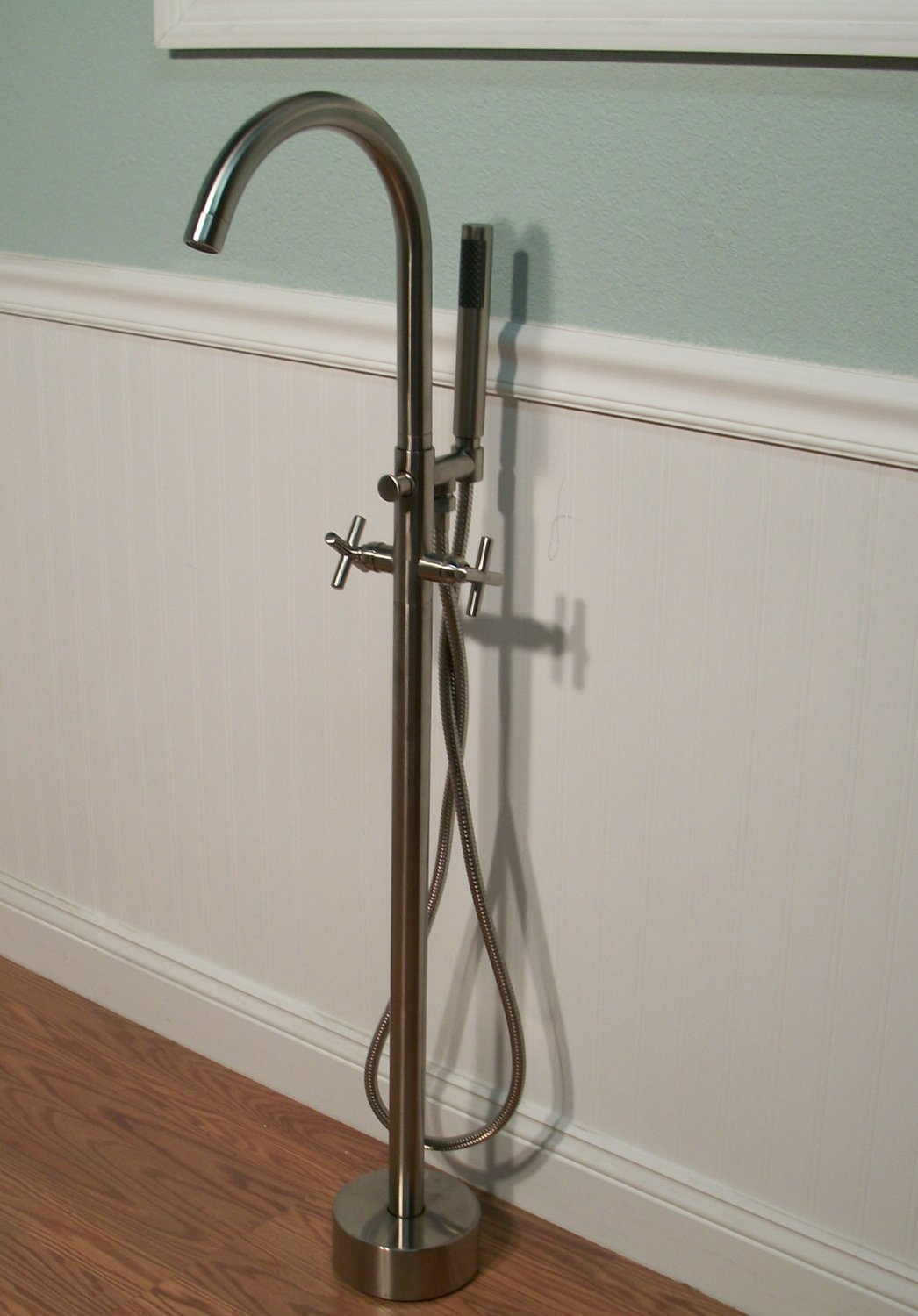 Brushed nickel free standing bathtub filler faucet for Free standing tubs for sale