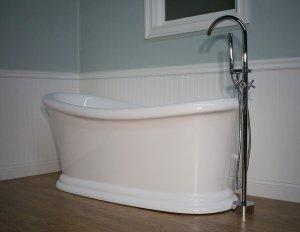 M-409 Pedestal Bathtub & Faucet
