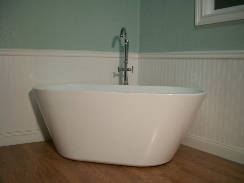 Terri 67 Free Standing Bathtub amp Faucet